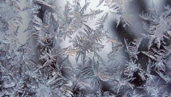 лед на окнах